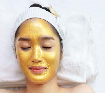 Korean-Ginseng-24K-Gold-Brightening-Anti-Aging-Facial-Treatment